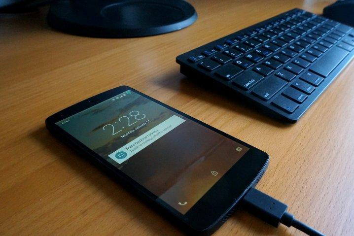 Maru-el-sistema-que-es-Android-en-el-móvil-y-Debian-para-el-escritorio